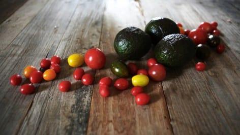 2014Avocado+tomatoes1KharenHill
